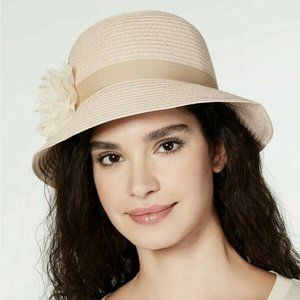 NWT August Hat Co Lace Flower Cloche Hat Blush